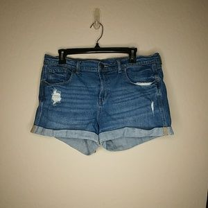 Old Navy Boyfriend Style Ripped Jean Shorts